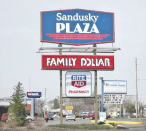 Sandusky-Plaza-Sign